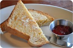 I. Like. (Blackbird). Toast. I cant stop eating it. Too bad it ONLY exists on Bainbridge Island. Wish it could be mailed to me!
