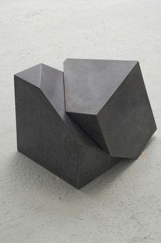 Tristan Cochrane; Polished Concrete 'Faultline/Concrete Stool', 2008. 거푸집을 맞물린 느낌  집에가서 거푸집에서 뽑을 수 있는 감성적인 키워드 정리한 ppt