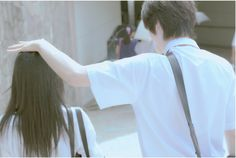 Poéticos éramos°•●● Aesthetic Japan, Retro Aesthetic, Aesthetic Photo, Japanese Couple, Korean Couple, Human Poses Reference, Anime Wolf Girl, A Silent Voice, Horimiya