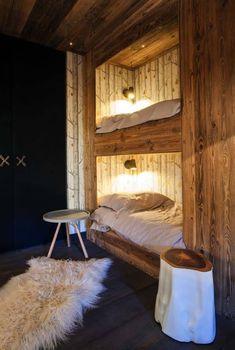 An elegant chalet in the French ski village of Megeve with a very remarkable and original design by studio Refuge . Chalet Design, Home Design, Chalet Style, Cabin Design, Decor Interior Design, Interior Decorating, Rustic House Design, Design Ideas, Wall Design
