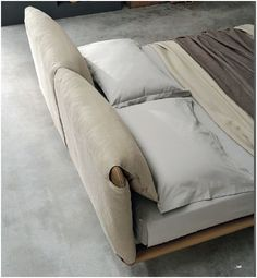 Leather double bed with upholstered headboard CUDDLE by ALIVAR design Angeletti Ruzza Design Minimalist thin bed. Enough to make an impressions, no to much to overpower. Bedroom Furniture, Home Furniture, Furniture Design, Leather Double Bed, Headboard Cover, Contemporary Bedroom, Contemporary Sectionals, Modern Bedrooms, Leather Headboard