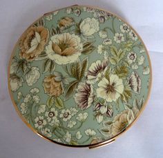 VINTAGE STRATTON POWDER COMPACT- Pale Green with Flowers