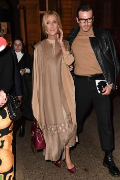 Back in January, Celine Dion made waves during Paris Couture Fashion Week when she showed off her slimmer physique in plunging ensembles. Celine Dion, Celine 2016, Autumn Fashion Women Fall Outfits, Womens Fashion, Drape Skirt Pattern, Fashion 2020, Paris Fashion, Couture Week, Mode Hijab