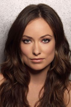"""You might know Olivia Wilde from her well recognized performances in television series 'The House' or from 2010 movie 'Tron:Legacy'.Read More Beautiful Olivia Wilde Hair Styles Over The Years"""" Olivia Wilde Hair, Beautiful People, Beautiful Women, Popular People, Famous People, Actrices Hollywood, American Actress, Marie, Hair Makeup"""