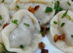 Pielmieni syberyjskie - Przepis - Smaker.pl Polish Recipes, Appetisers, Dim Sum, Tortellini, Ravioli, Dumplings, Appetizer Recipes, Spices, Food And Drink