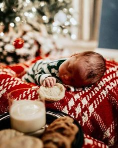 christmas photography 55 Stunning Christmas Outfits Ideas For Kids, Babies First Christmas, Family Christmas, Christmas Ideas, Baby Girl Christmas, Cute Baby Pictures, Newborn Pictures, Newborn Christmas Pictures, Newborn Christmas Outfits, Holiday Pictures