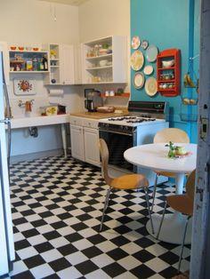 My Colorful Kitchen Inspiration  Sol à damiers pour cuisine vintage