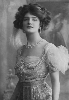 """Lily Elsie as Sonia in """"The Merry Widow"""", 1907."""