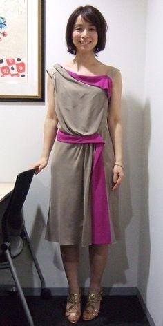 石田ゆり子 Asian Street Style, Japan Model, Asian Celebrities, Dresses For Work, Summer Dresses, Stunning Dresses, Yuri, Asian Girl, Actresses