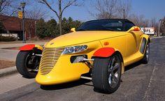 50. 1997 Plymouth Prowler - Publicité - À la fin des années 90, les ingénieurs de Chrysler ont eu les mains libres pour créer ce qu'ils souhaitaient dans un style «hod rod» ou «sportster». Le résultat a été une création de Thomas C. Cale, la Plymouth Prowler. Elle ressemblait à un hod rod des années …