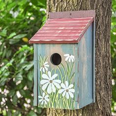 Stunning Bird Houses - A collection of beautiful Birdhouses - Rustic - Vogelhaus Wooden Bird Feeders, Wooden Bird Houses, Bird Houses Painted, Diy Bird Feeder, Bird Houses Diy, Decorative Bird Houses, Bird House Plans, Bird House Kits, Bird Nesting Box