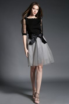 ワンピース・ドレス - フェミニンな安らぎ漂わせる透けるチュール切り替え花弁衿腰に大きなリボンポンポンワンピース★