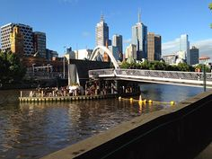 Inspiring running scenery along the Yarra River in Melbourne