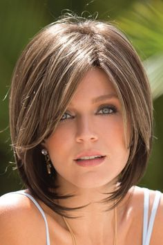 All wig styles for you.Short Straight Capless Brown Ideal Synthetic Bob Wigs at an affordable price. Trending Hairstyles, Short Bob Hairstyles, Pixie Haircuts, Layered Hairstyles, Pretty Hairstyles, Haircut Short, Gray Hairstyles, Haircut Bob, Haircut Medium