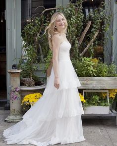 Enjoy the sunshine on this Friday! #lillianwest #style_6413 #bohobride #bohochic #bohostyle #bridalgown #weddingdress #bridal #wedding