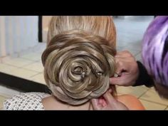 Video HOW-TO: Rose Chignon (*Note: This tutorial is in Spanish, but since hairdressers are visual people, we figured we'd post it anyway. It was just too cool not to! )