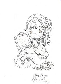 niñita sentada