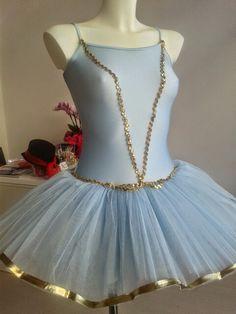 Tutù per saggio di danza azzurro e rifiniture oro