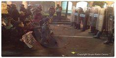 #AcciónGlobalPorAyotzinapa Manifestantes se sientan y cantan el Himno Nacional frente a granaperros #RenunciaEpn- http://www.pixable.com/share/5Ytmy/?tracksrc=SHPNAND2&utm_medium=viral&utm_source=pinterest