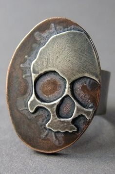 ☆ Skull Ring :¦: Designer Thomasin Durgin ☆