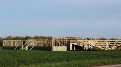Timelapse of an #Amish #BarnRaising in under 10 hours #AmishCountry
