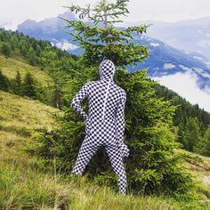 DIE PUPPEN DER MODERNE. AUS DER SERIE BAUHAUS 4.0 2016 Immersive VR Performance, Intervention und Kunst am Berg  Hohe Tauern,…