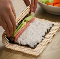 New Bamboo Sushi Mat Onigiri Rice Roller Rolling Maker Kitchen Japaness Food 24*24CM