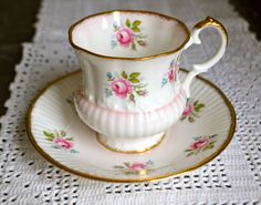 "PRETTY IN PINK  Stunning Vintage ""Elizabethan"" Bone China Teacup and Saucer by TheSmashingTeacup on Etsy"