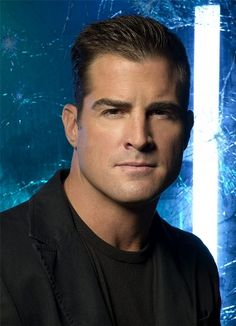 George Eads alias Nick Stokes (CSI: Crime Scene Investigation): Love him! He's my favorite!
