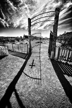 Reader Gallery: 16 Photos With Dramatic Shadows   Popular Photography