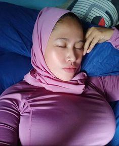 Hijab Teen, Arab Girls Hijab, Muslim Girls, Beautiful Arab Women, Beautiful Hijab Girl, Hijabi Girl, Girl Hijab, Hijab Fashionista, Muslim Women Fashion