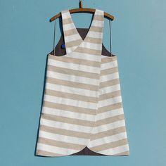 Reversible Japanese apron|crossback pinafore|craft apron by ZUTusine on Etsy