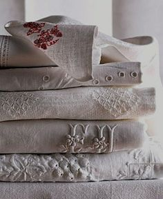 textured linen by Ana Rosa, 3 Vintage Shabby Chic, Vintage Lace, Vintage Decor, Vintage Style, Linen Fabric, Linen Bedding, Bed Linen, Cotton Linen, White Cotton