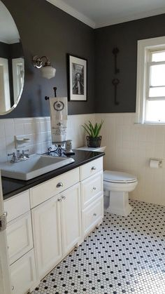 Recent small bathroom design european made easy Black And White Tiles Bathroom, Gray And White Bathroom, Trendy Bathroom, Mosaic Floor Tile, Bathroom Styling, Bathroom Interior, Bathroom Flooring, Bathrooms Remodel, Black Bathroom