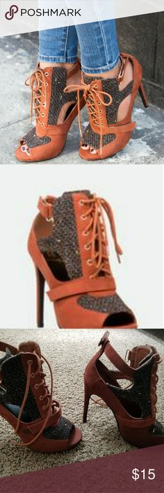 SCENE Toni Size 8 Used once. No signs of wearing, very little sign on bottom. Excellent condition Shoe Dazzle Shoes Heels