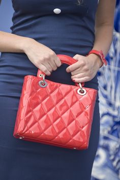 Collectif Clothing - 50s Rosie Quilted bag Chanel style patent lipstick red small