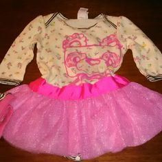 Girls Pritzy Tu Tu Dress Adorable Tu Tu dress with matching leg warmers cute fun style and design brand new I have two sizes available 18 months and 24 months Other