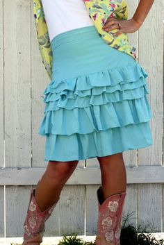 Ruffle skirt tutorial with 2.5 yards of fabric.