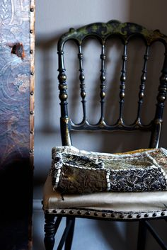 ♥♥♥ this chair ~ Photograph by Rachel Whiting
