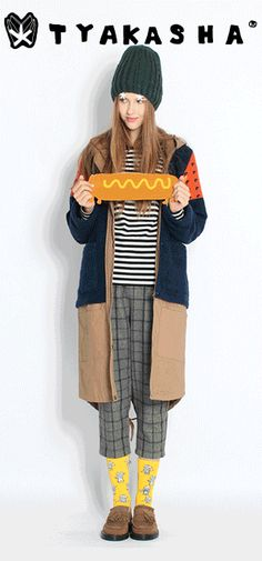 2013 WINTER TYAKASHA  TRAVEL RESTAURANT Happy Gif, Kids Patterns, What To Wear, Duster Coat, Cool Style, Restaurant, Women's Fashion, Knitting, Winter