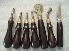Leather Working Tools Set IR Hyde Leather Carving, Leather Art, Custom Leather, Leather Tooling, Antique Tools, Old Tools, Bookbinding Tools, Ceramic Tools, Leather Working Tools