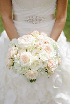 Bridesmaid Flowers, Bride Bouquets, Bridesmaid Dress, Floral Wedding, Wedding Flowers, Bouquet Wedding, Wedding Gowns, Ivory Rose Bouquet, Natural Bouquet