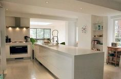 Modern kitchens with clean lines, smooth surfaces and a clear look invite you to use this space. New Furniture, Kitchen Furniture, Kitchen Decor, Furniture Design, Space Kitchen, London Property, Kitchen Models, House Extensions, Interior Decorating