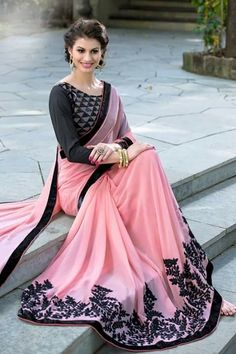 Sarees Online: Buy Designer Sari and Indian Wedding Saree at Variation Sari Design, Diy Design, Sari Rose, Indian Dresses, Indian Outfits, Beau Sari, Indische Sarees, Rosa Style, Outfit