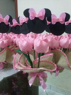 Feito em juta, tulipas de tecido 100% algodão, personagem em EVA. Várias opções de cores e personagens. Pode ser usado também como lembrancinhas . Frete via PAC ou SEDEX com desconto. R$ 8,50