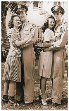 They need to bring back. the forties nostalgia! Vintage Fashion Inspiration For Vintage Expert Kate Beavis Vintage Humor, Mode Vintage, Vintage Love, Retro Vintage, Vintage Outfits, Vintage Fashion, 1940s Fashion Hair, 1940s Fashion Women, Edwardian Fashion