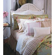 @Overstock - Update your bedroom with a new comforter set from Chaps  Set includes comforter, two shams and bedskirt  Comforter ensemble is sure to complement your bedroom decorhttp://www.overstock.com/Bedding-Bath/Chaps-Essex-Garden-4-piece-Comforter-Set/3647033/product.html?CID=214117 $89.99