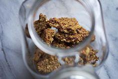 Loving this winter spiced granola... Yum!