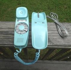 1970s Vintage Trimline Rotary Dial Telephone in Turquoise by