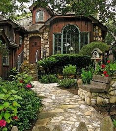 Beautiful English Cottage Garden Ideas Inspiration - Designing an English . - Beautiful English Cottage Garden Ideas Inspiration – Designing an English Garden – Rock Garden with a Wooden Bench and Greenery G – Ideas Small Cottage Designs, Small Cottage House Plans, Small Cottage Homes, Small Cottages, Small House Design, Cottage Ideas, Tiny Homes, Best Tiny House, Cute House